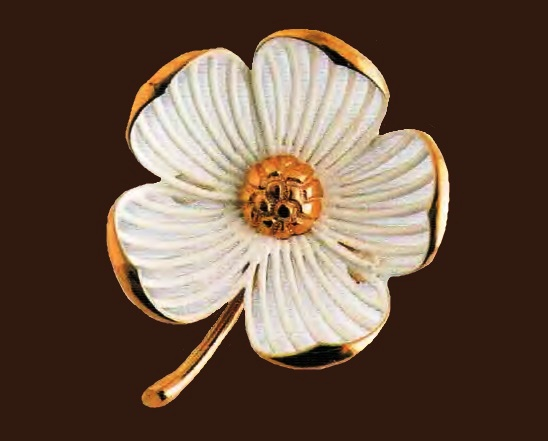 Flower Brooch. Edging gold-plated metal, petals - metal base, covered with enamel. 1970. length of 5 cm £ 15-25 MILLB