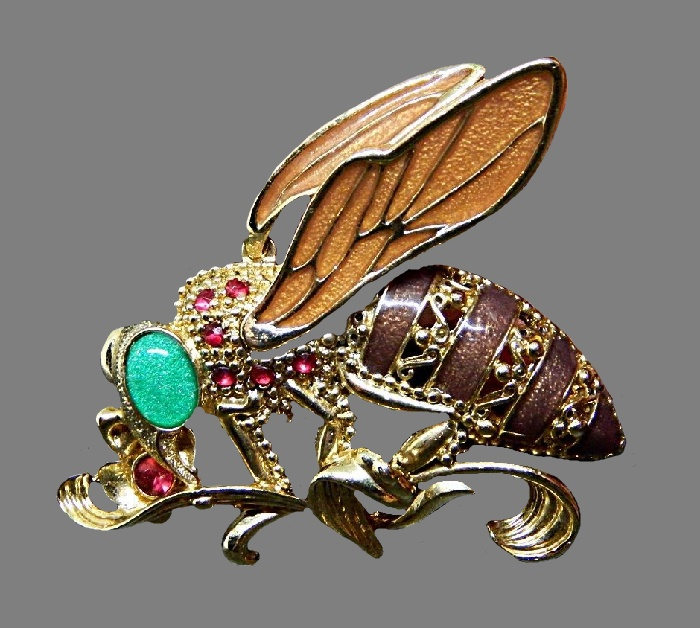 Fly brooch. Enamel, jewelry alloy of gold tone, rhinestones. 5 cm