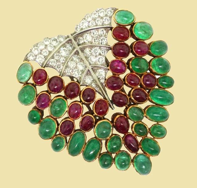Leaf brooch of precious stones