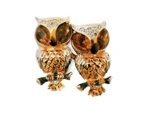 Owls. Gold plated silver, rhinestone. 1940s 3.75 cm £ 155-175 JJ