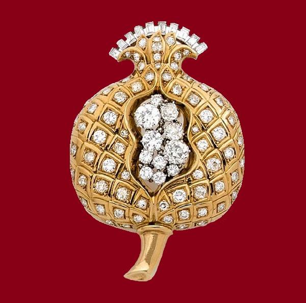 Pomegranate brooch. 1935