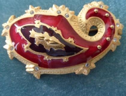 Paisley brooch