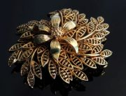 Rare gold tone flower brooch, 1940s