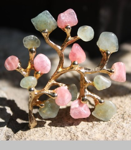 Refined, rare brooch Tree made of alloy jewelry, gold and semi-precious stones – jade and rose quartz