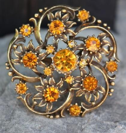 Amber Flowers. Coro design