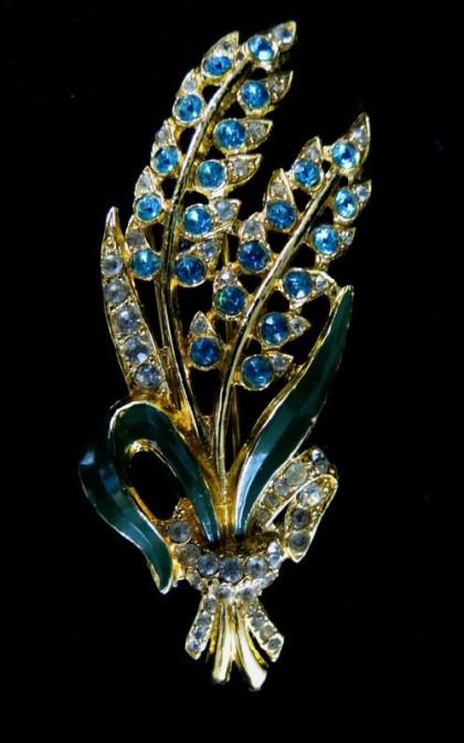 Bouquet brooch by Coro
