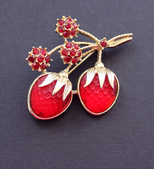 Galina Karputina collection. Blossoming strawberry brooch, Sarah Coventry costume jewelry