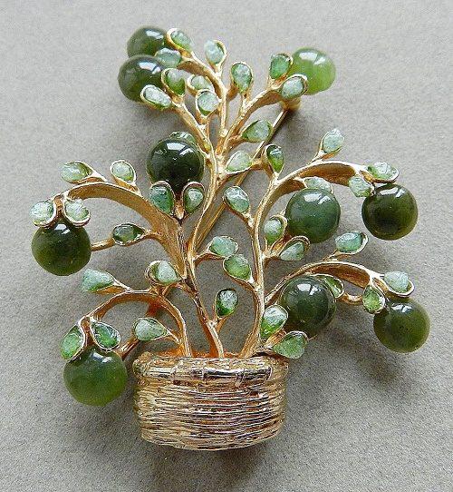 Wild berry brooch, vintage