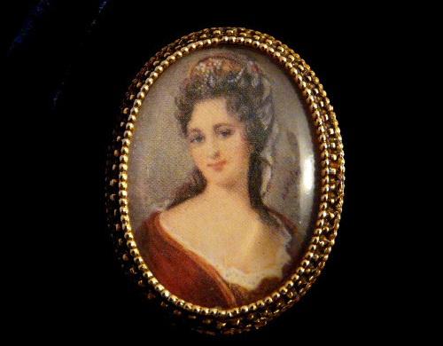 Framed brooch by Florenza