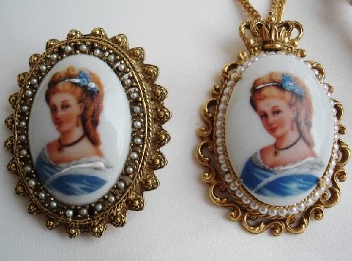 Medallions vintage