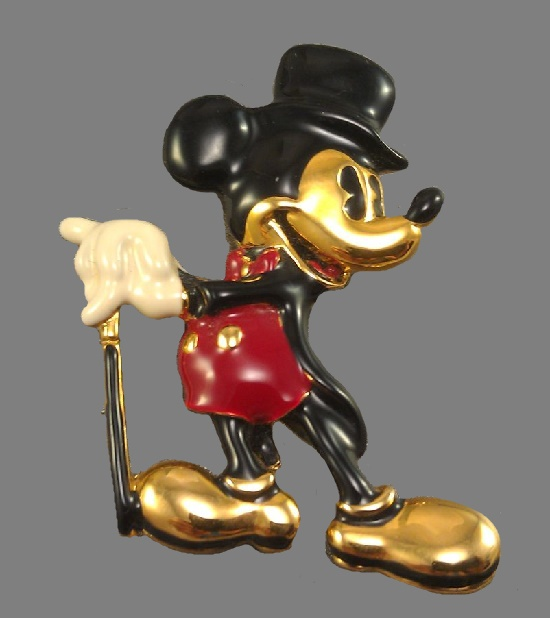Mickey Mouse enameled brooch pin. 5 cm. 1990s. Signed Disney Napier