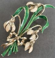 Snowdrop flowers brooch