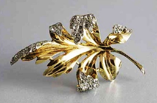 1942 Leaf brooch by Alfred Philippe