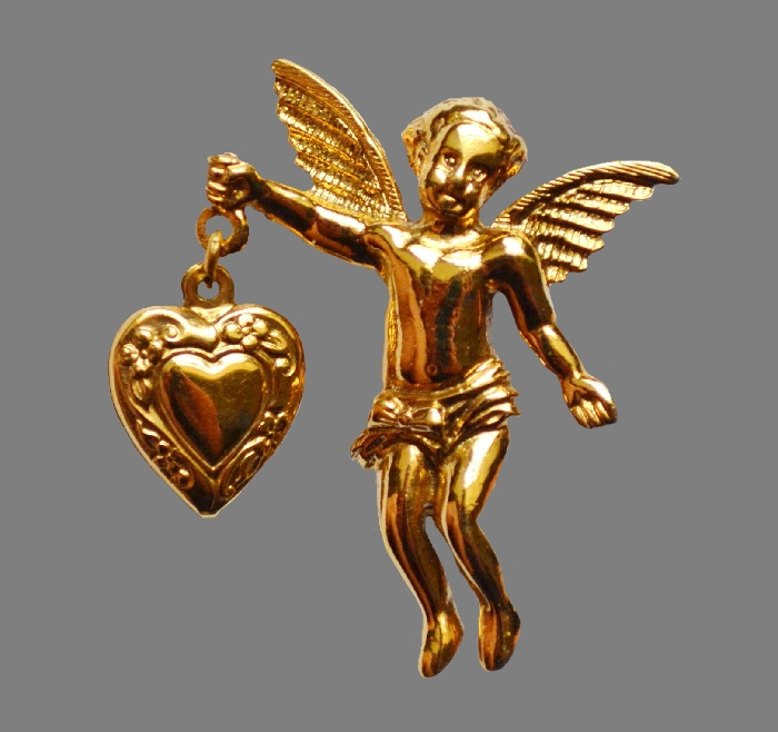 Angel with heart brooch. 4.5 cm