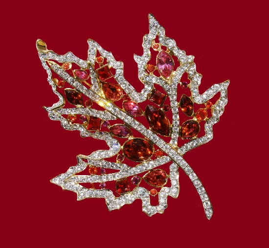 Autumn leaf brooch. Jewelry alloy, Swarovski crystals. 7 cm. 1990s