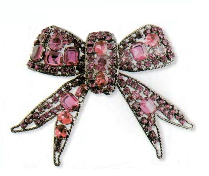 Bow brooch. Frame of dark metal, glass pink and fuchsia, rhinestone. 1990s 13 cm £ 160-180 CRIS