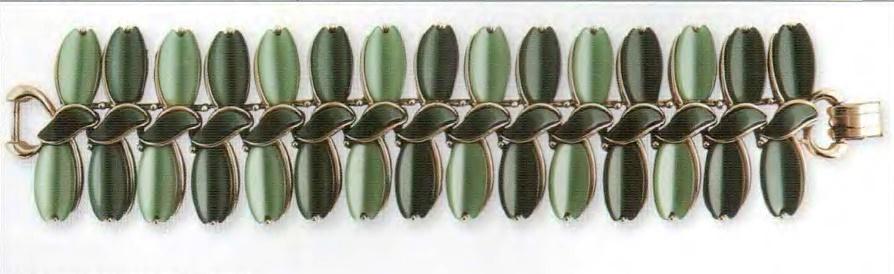 Bracelet, gold tone metal, lucite. 1950's. about 16.5 cm. £ 30-40