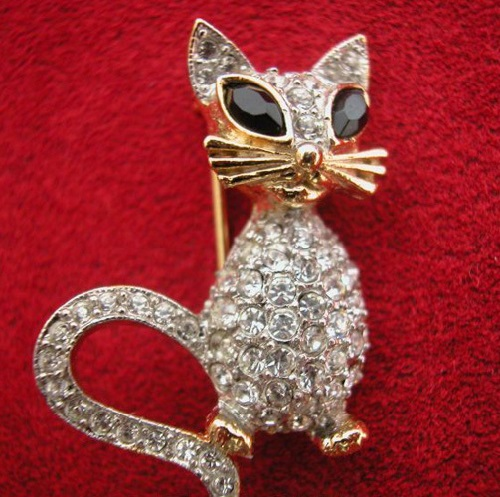 'Cat' brooch