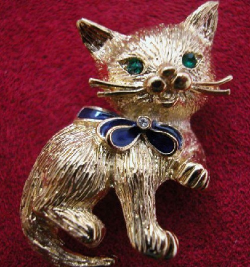 'Kitten' brooch