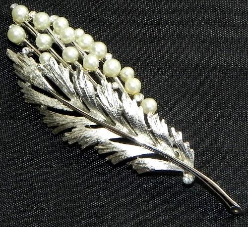 Cultured pearls, crystals, rhinestone brooch. 1955-1960