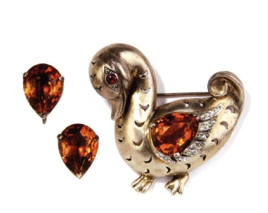 Duck brooch and clips. 1945
