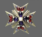 Maltese cross. 1960s. Weiss. Rhinestones, gray metal alloy, pearls