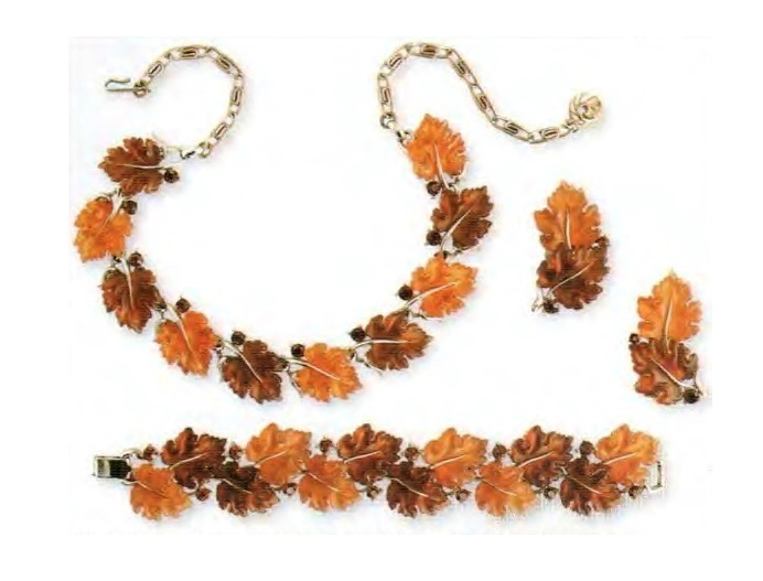 Necklace, bracelet and earrings. gold tone metal, lucite, rock crystal. The end of the 1950s. £ 150-175 CRIS