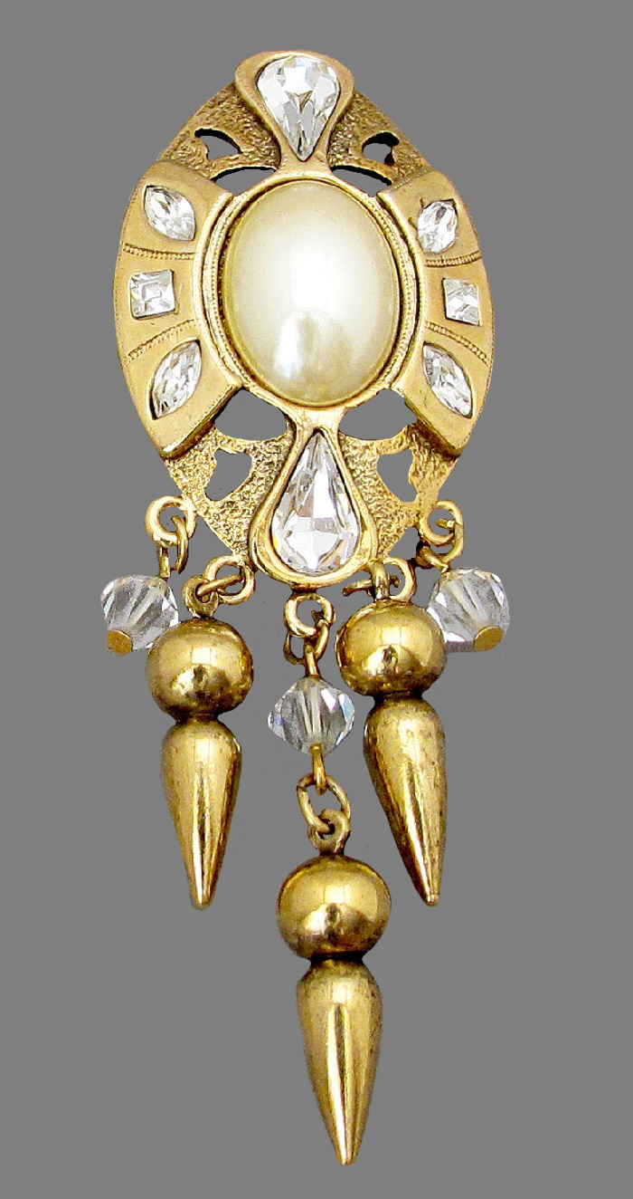 Spectacular vintage brooch with pendants. Jewelery alloy, crystals, crystal beads, accessories