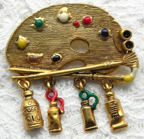 The artist's palette – a charming and beautifully made brooch