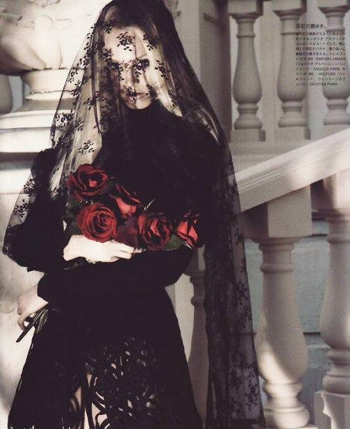 the bride in black wedding dress photo set for japanese vogue 4