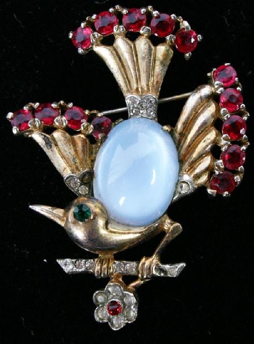 Bird brooch, Pink Stones