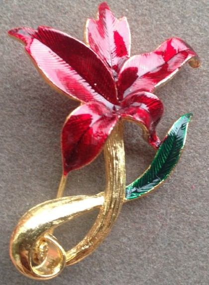 Gorgeous enameled pink Flower brooch
