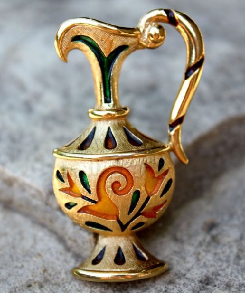Magic Lamp brooch