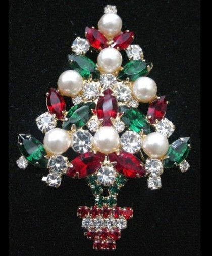 Christmas inspired Mylu vintage costume jewelry
