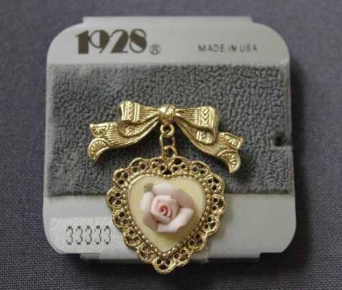 Heart with rose brooch