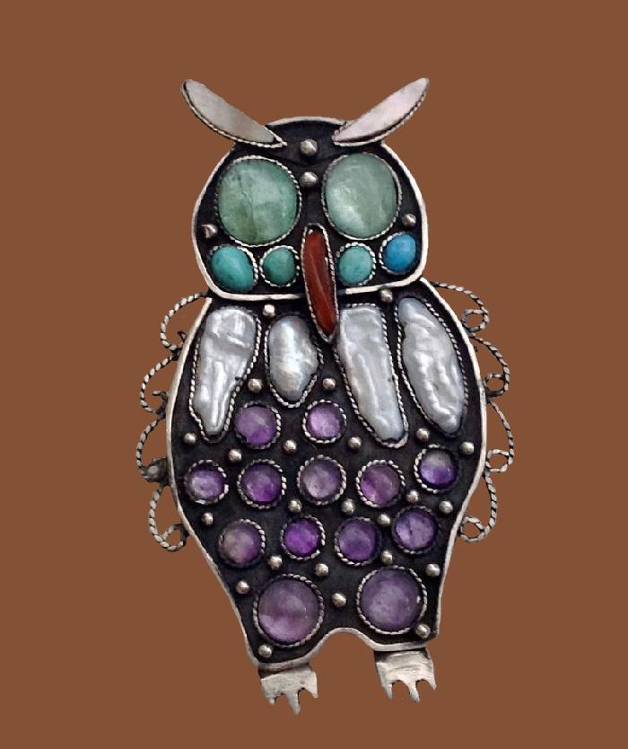 Wise owl brooch. aquamarine, pearl, turquoise, carnelian, baroque pearls, amethyst, nickel silver. 6.2 cm