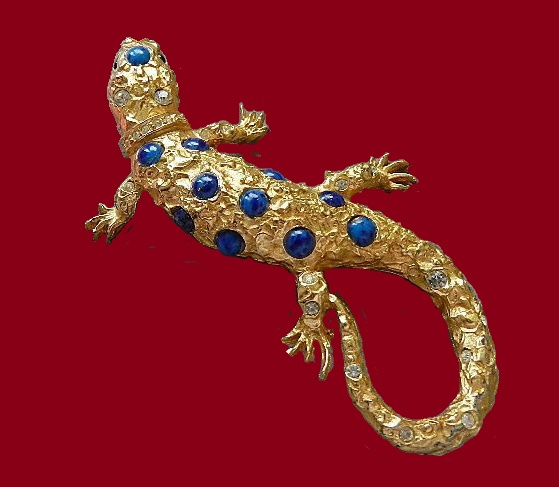 Beautiful gold tone brooch Lizard