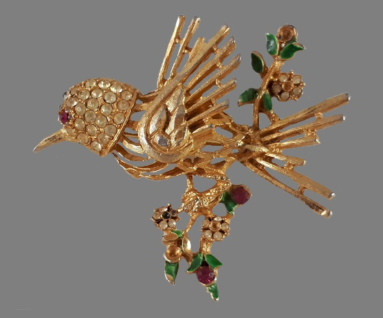 Bird brooch. Gold tone metal, rhinestones, enamel. 4.5 cm. 1960s
