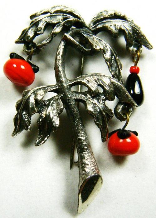 Tomatoes, Tortolani brooch