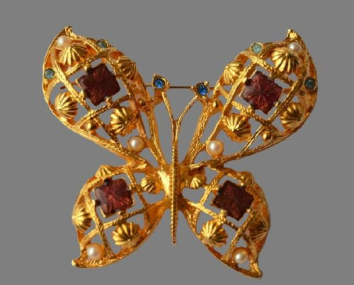 Butterfly brooch. Jewelry alloy, lucite. 6 cm. 1980s