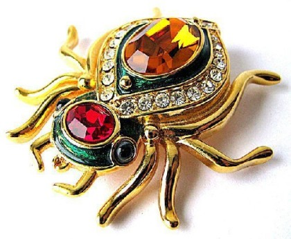 Beetle Gorgeous vintage brooch. Kenneth Jay Lane costume jewellery