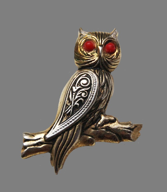 Owl brooch. Enamel, gold filled. 4,6 cm
