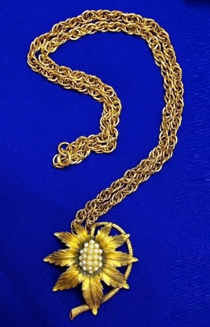 Beautiful pendant by Tortolani