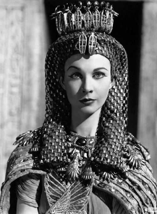 Vivien Leigh in 1945 'Caesar and Cleopatra' movie. Cleopatra legendary jewellery