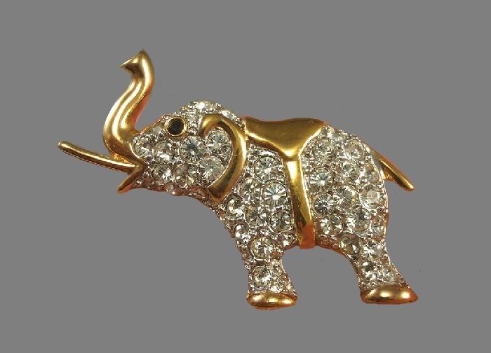 Elephant brooch. Gold tone jewelry alloy, rhinestones. 4.3 cm