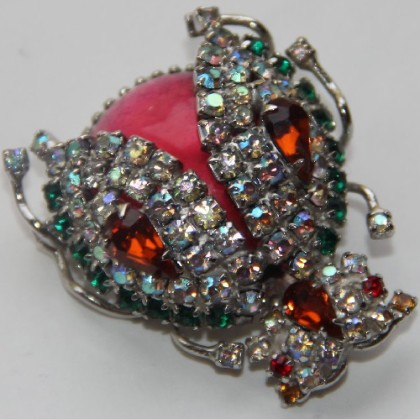 Rhinestone Vendome brooch