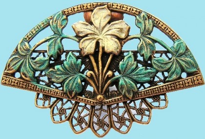 Victorian style brooch in the form of fan