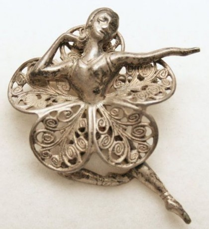 Ballerina Brooch. Beaucraft jewellery unsigned beauty