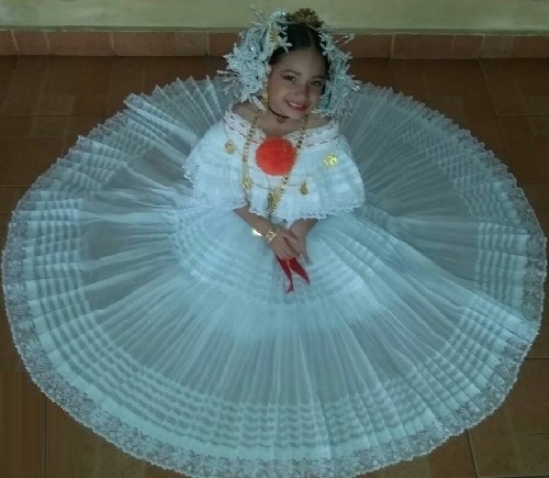 f679c06204a2 Beautiful baby girl, Gabriela Rodriguez, wearing traditional Panamanian  Tembleques and Pollera