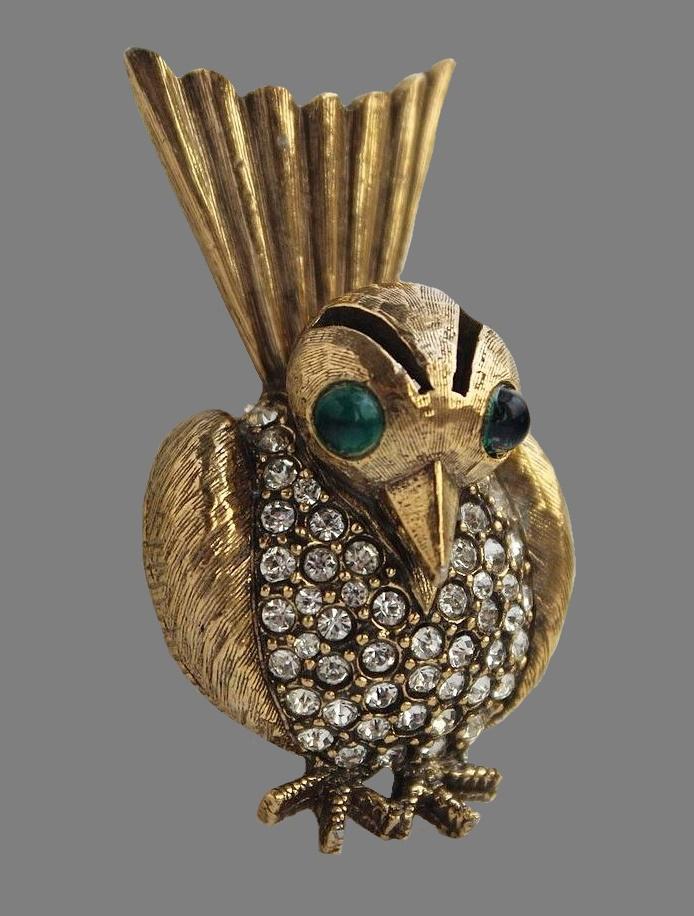 Bird brooch. 1970s. Gold tone jewelry alloy, art glass, rhinestones. 5 cm
